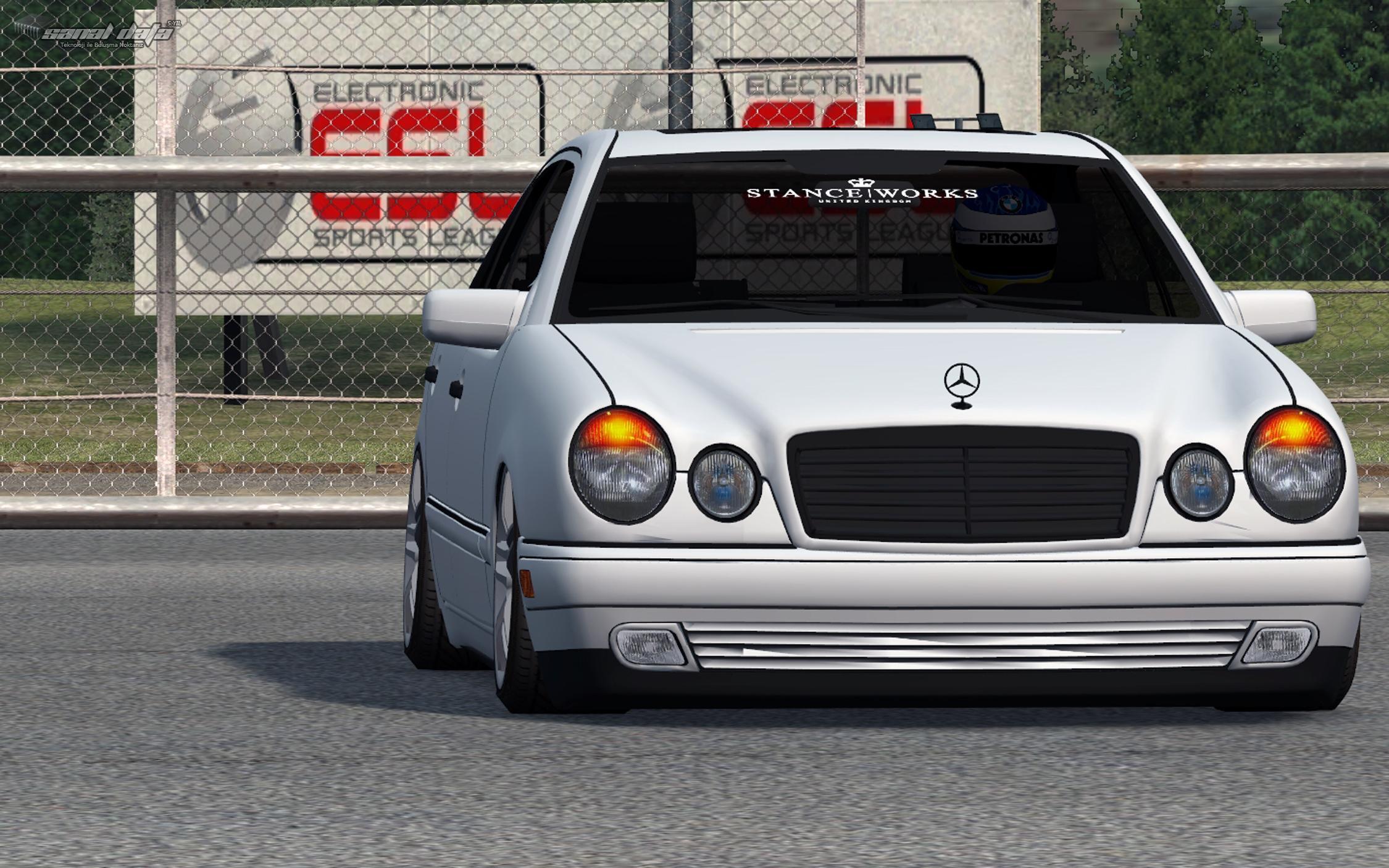 Lfs Mercedes E200 Yaması